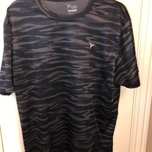 Old Navy Active Dry Fit Black Camo XL T Shirt